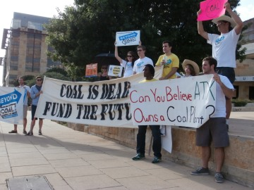 SIerra Club members and volunteers outside AUstin CIty Hall on Thursday June 20th.